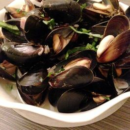Champagne Citrus Mussels