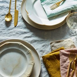 Our Art Director's Best Tips for Setting a Summery, Vintage-Inspired Table