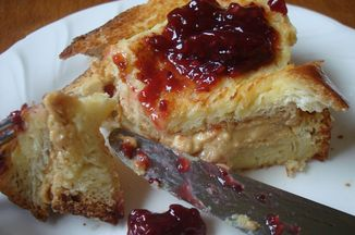 571d3c07 23a5 4a03 a66c 07b125559439  pbj french toast