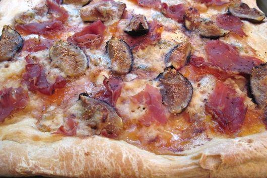 Fig & Prosciutto Pizza
