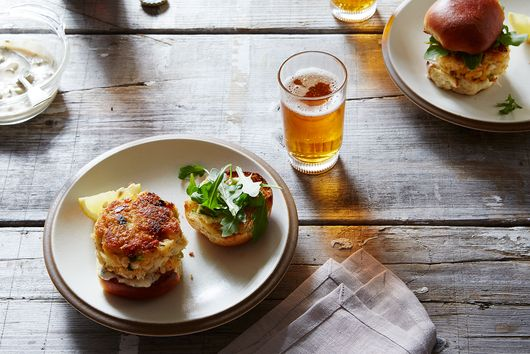 IPA Crab Cake Sliders with Remoulade