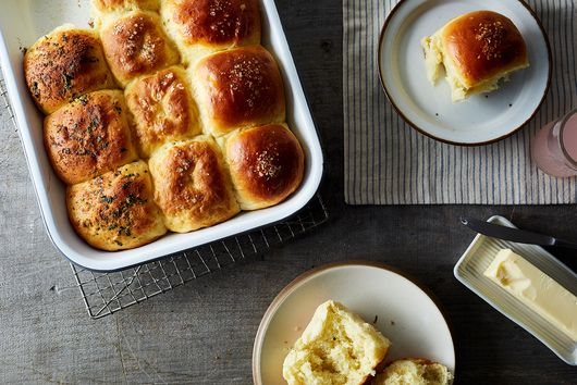 Super Fluffy Rolls, 3 Ways: Plain, Garlic, and Pretzel