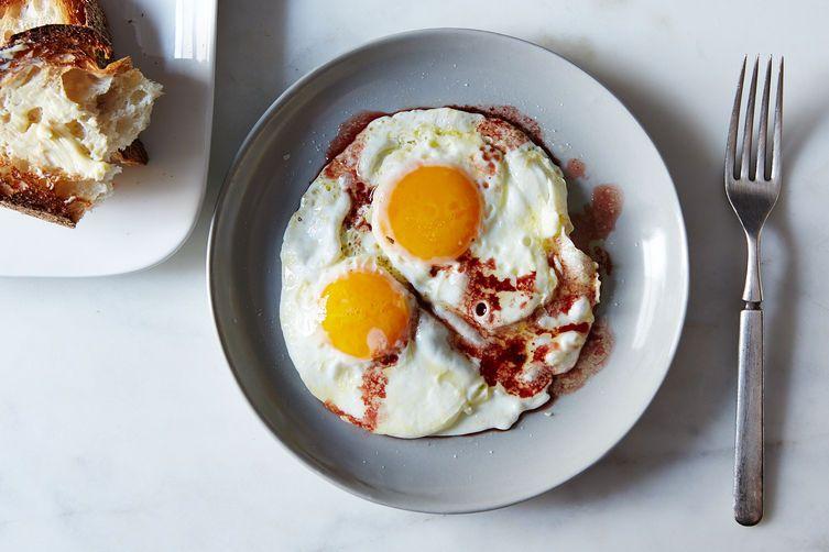 Robert Verge's Fried Eggs with Wine Vinegar on Food52