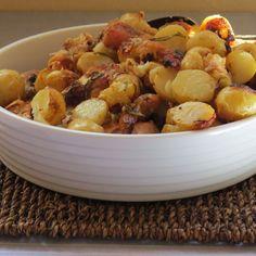 Chicken with rosemary, garlic, milk and baby potatoes