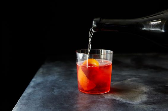 2d9fa8bb 13f3 4ef8 a723 c5c45130918f  2015 0428 sparkling negroni cocktail mark weinberg 0223