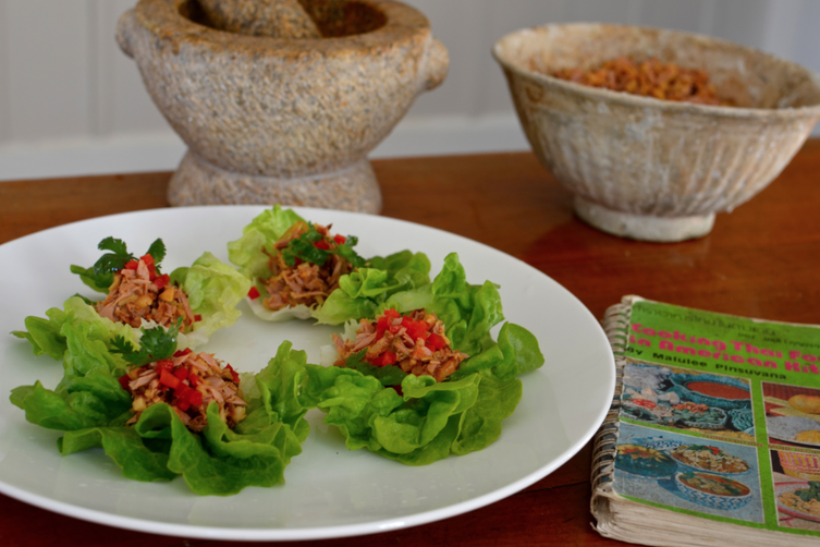 THAI TUNA SALAD IN LETTUCE CUPS