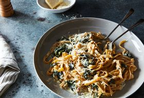 640154b3 11dd 4560 8de3 e9143d8aedb9  2016 0906 pasta with yogurt and spicy creamed kale james ransom 156