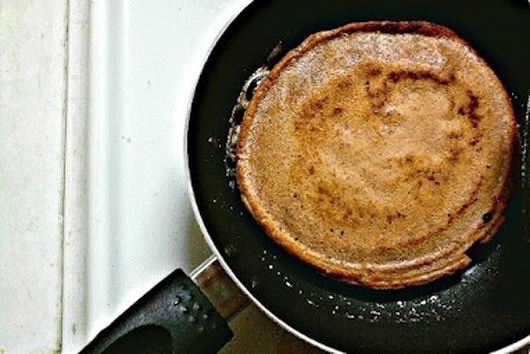 Spiced Banana chocolate chip pancakes (gluten free, dairy free, nut + corn free)