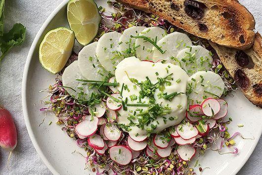 Radish and cream salad