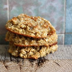 Banana - Sesame Seed Cookie with Quinoa flakes & Oats