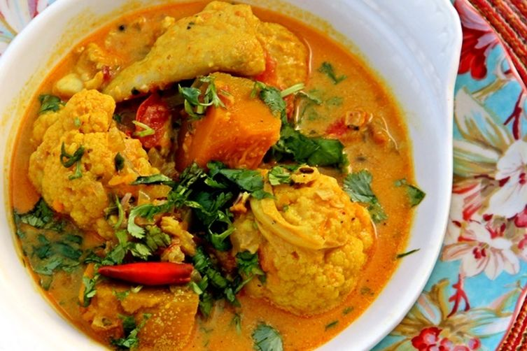 Bengali coconut fish curry with cauliflower and pumpkin recipe on food52 bengali coconut fish curry with cauliflower and pumpkin forumfinder Image collections