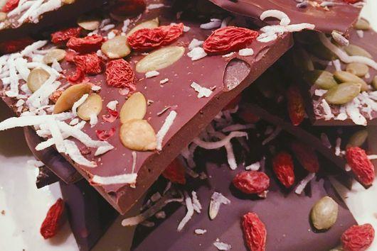 Dark Chocolate Bark With Goji Berries, Pumpkin Seeds, And Coconut @ThePrettyFeed