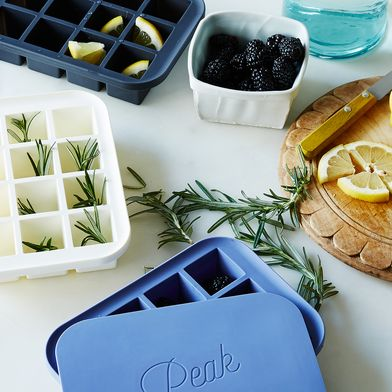 Finally: Easy-Removal Ice Cube Trays That Really Are!