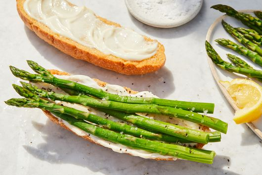 Open-Faced Asparagus Sandwich