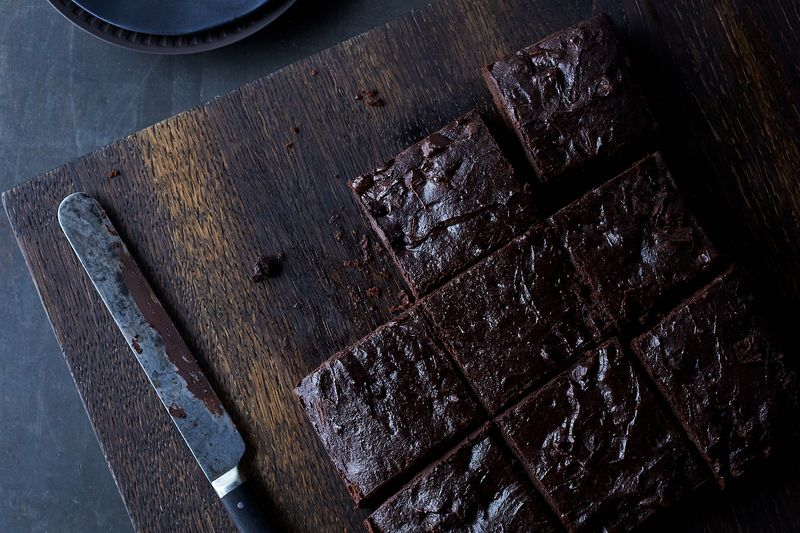 ae4aacb0 f648 4733 b83a 3d6efe1121e7  2017 0518 vegan chocolate tofu brownies julia gartland 25317 4 Whip Smart Recipes (& Tricks!) to Add to Your Go To List