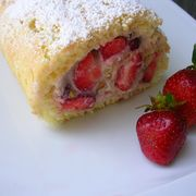 49fa1833 bfc5 47fe 9168 92a2db800528  strawberry ricotta roulade with pistachios i