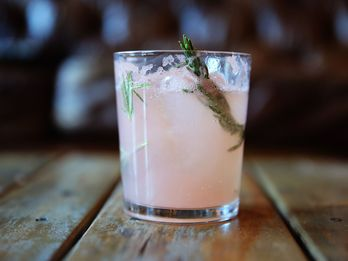 What You Need to Turn Summery Cocktails into Wintery Drinks