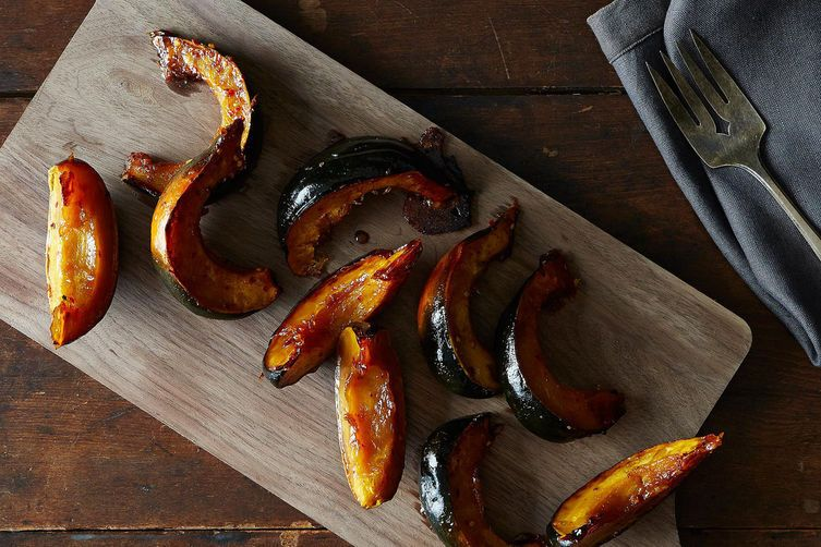 be healthy-page: Roasted Acorn Squash with Maple and Red Pepper Flakes