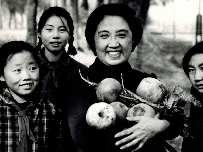 Joyce in Beijing, 1972. Courtesy Stephen Chen.