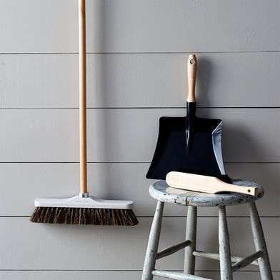 Vintage-Inspired French Brush & Dustpan Set