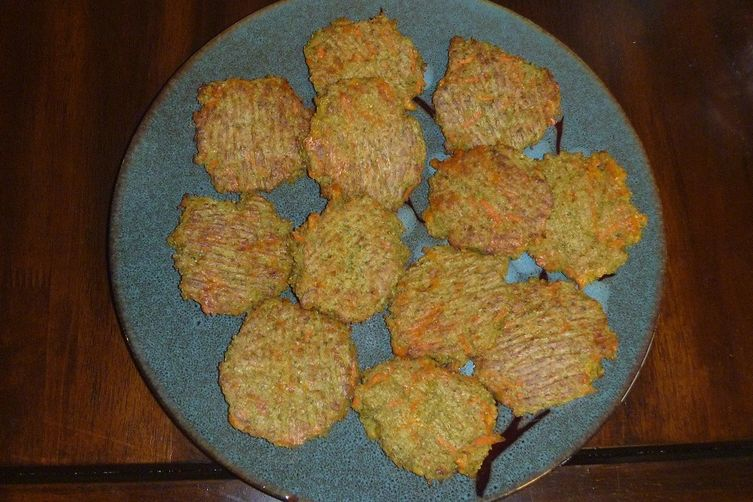 Baked Broccoli and Carrot Quinoa Patties