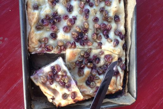 SCHIACCIATA ALL'UVA (TUSCAN GRAPE FOCCACIA)