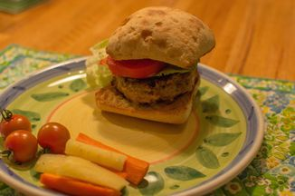 5383b7ee e4e7 406e baf7 d40ed911a516  burger