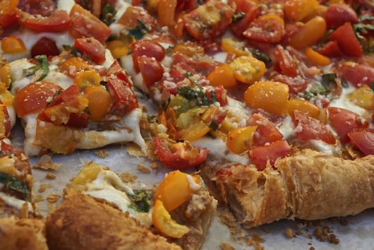 Mozzarella Tart with Fresh Tomatoes & Roasted Garlic