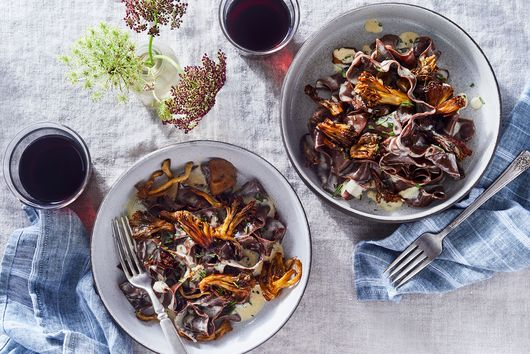 Tagliatelle al Cioccolato (Chocolate Pasta with Mushrooms and Rosemary)