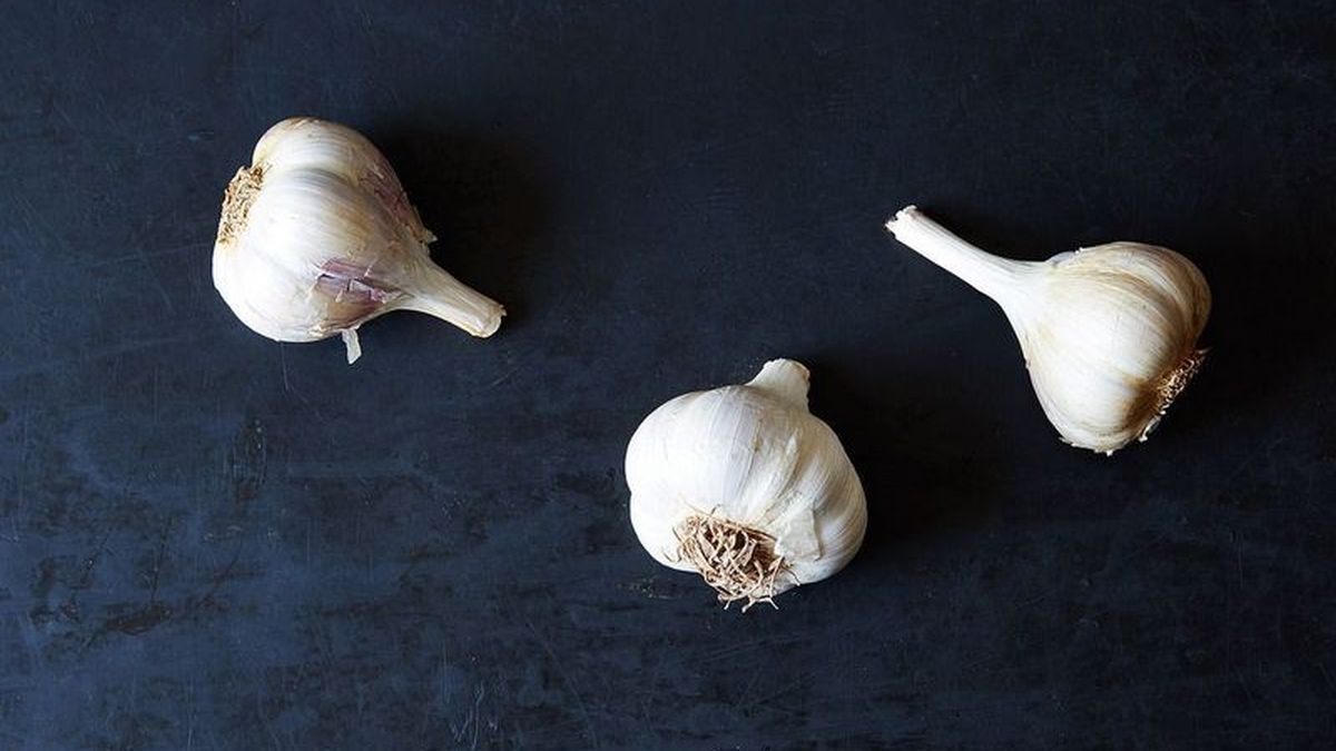 How Much Garlic Is One Clove Minced Garlic Conversion Guide