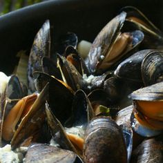 Mussels with Blue Cheese & Bacon