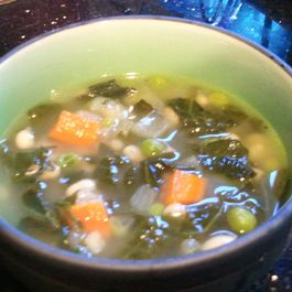 1e9bd8da 359a 4878 9cb9 03363d3e7bcd  white bean and kale soup