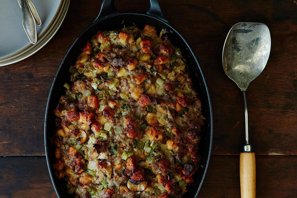 Homemade Sausage Stuffing Thanksgiving Sides