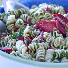Parsley, Sundried Tomatoes And Red Pepper Pasta Salad