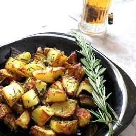 19abf594 dda7 4340 98d2 095ca971a18a  roasted rosemary potato a