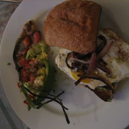 1af48d46-24fe-4ba7-9c07-2331b9b72b8e--fried_egg_sandwich