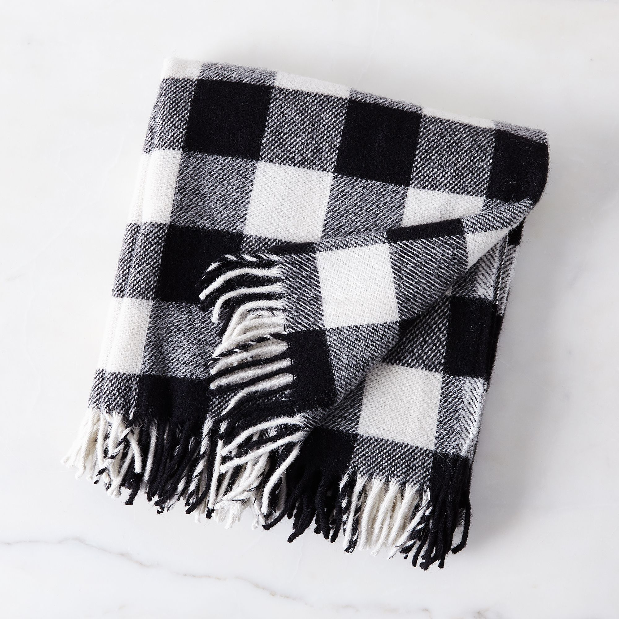 Aea40ee2 3d54 446b afce 0c229bd1ee3a  2016 1025 faribault black and white buffalo check fringed wool throw silo rocky luten 020