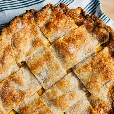 Wide Lattice Peach Pie with Tarragon Butter