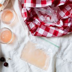 How to Make Frosé Without a Blender, at the Beach