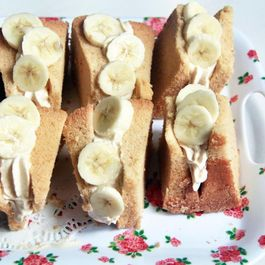 Kinako Banana Chiffon Cake Sandwiches