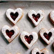 49dc09ac 15a0 4965 9d7d 96607db72be1  linzer cookies 2
