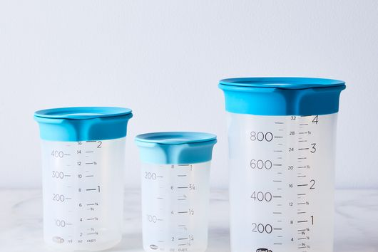 Silicone Lidded Pinch + Pour Measurement Beakers
