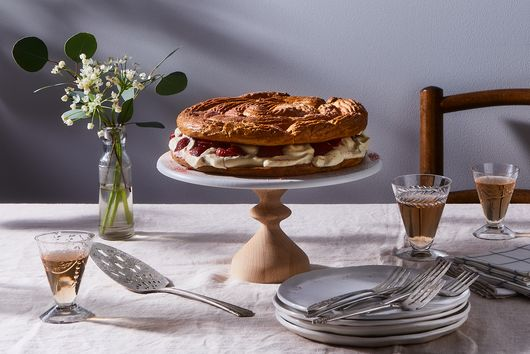 The Great Majesty of the Paris-Brest, an Éclair to Share