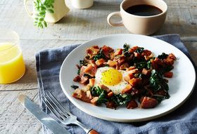 2f6ef184 8c9c 41b7 92cd 629d56a4ada1  2016 0222 sweet potato kale country ham hash with maple red eye gravy james ransom 036