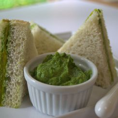 Avocado and Cucumber Sandwiches