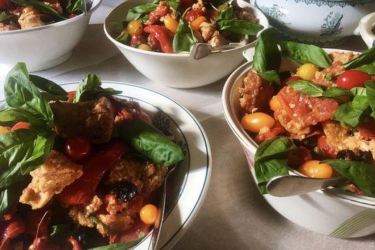 Tomato Panzanella (Tuscan Bread Salad)