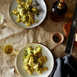 45ec94a0-ab4e-4423-953c-97965df56138--2015-0908_summer-squash-sauce-with-pasta_james-ransom-006