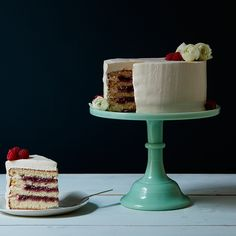 Watch This Wonderfully Retro Video of Cake Decorating