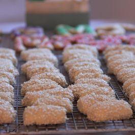 2122d09c e803 41ce b201 c8148dc66cd8  sicilian christmas cookies