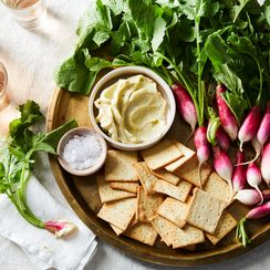 This Fancy 4-Ingredient Party Starter is Secretly Cheaper Than Making Onion Dip